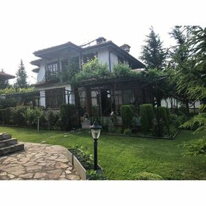 Two-storey house with 4 bedrooms, 10 km from Varna