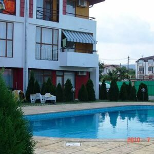 Magnificent furnished three-storey house with sea view