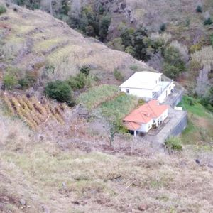 4000 m2 WITH 2 HOUSES