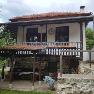 House next to river in forest 50km to Veliko Tarnovo.