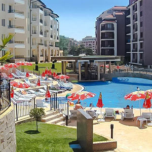 1-bedroom apartment with pool view in Sunny Beach Hills