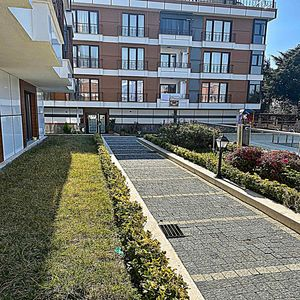 3+2 duplex apartment for sale in Beylikduzu Istanbul