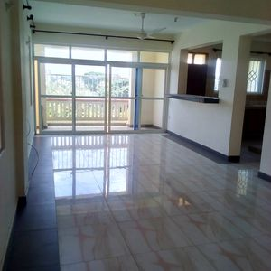 3 Bedroom Apartment, Master En suite, Beach Rd Nyali (D8)