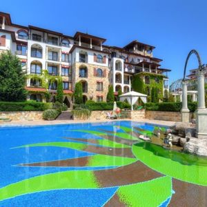 Pool View one-bedroom apartment for sale in Esteban Nessebar