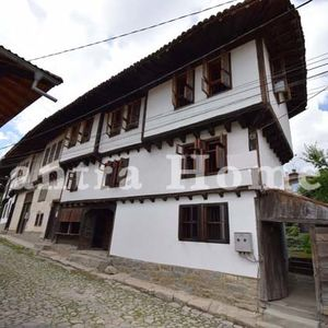 Renovated traditional style house in the picturesque Elena