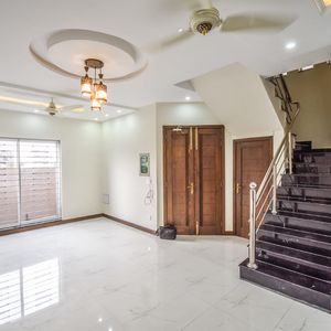 5 MARLA BEAUTIFUL Brand New HOUSE IN Dha 9  Town FOR RENT