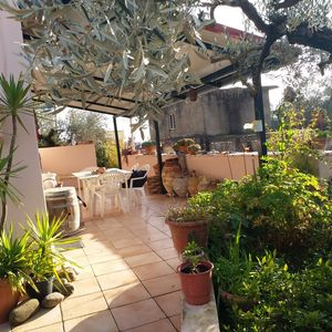 In 685m2 yard new villa with full furniture and appliances