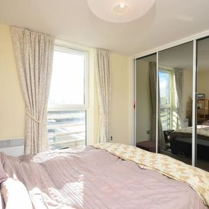 Well furnished one bedroom flat in Leeds