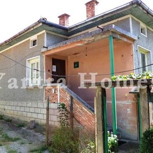 Countryside house with panoramic views in Yantra village