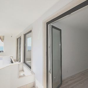 Apartment for sale with sea view in Parede
