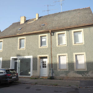 Retail unit and home in one, relocate to Germany