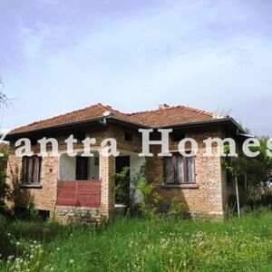 Nice house, settled in the beautiful hills of Mlechevo