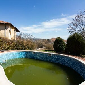 House with pool, 4 Beds and 3 Baths near Balchik and the Sea