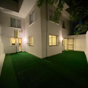 1 bedroom apartment at center