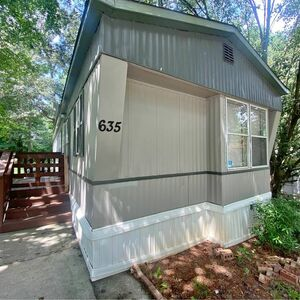 Lovely 2 bed 2 bath mobile home for sale in Marietta