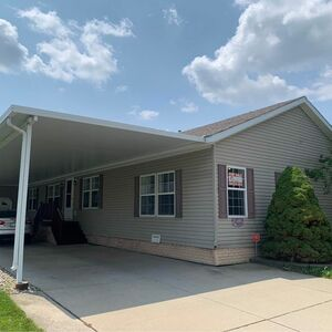 Beautiful 3 bed 2 bath house for sale in Macomb