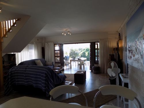 Loung/dining area